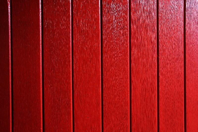 Deck sealing vs staining