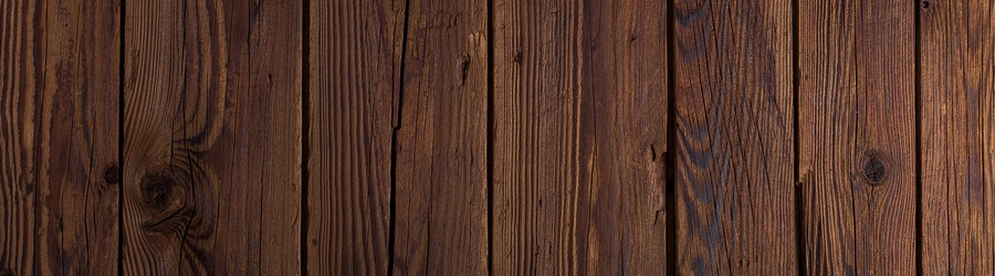 image of wood surface coated with best cedar deck stain