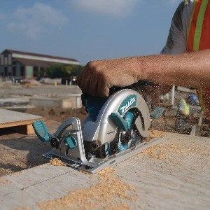 Image of Makita, the best worm drive circular saw
