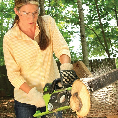 The Best Chain Saw for Woodworking In Use